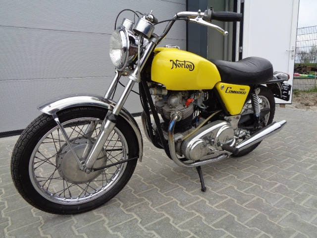 Norton Commando 750 S